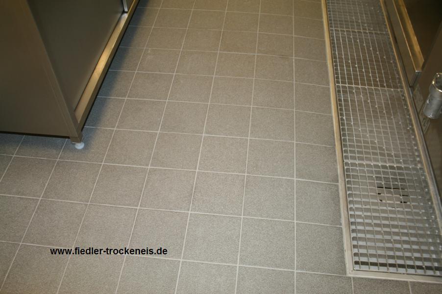 Trockeneisreinigung von epoxydharzm rtel auf - Fliesen von rigipsplatten entfernen ...